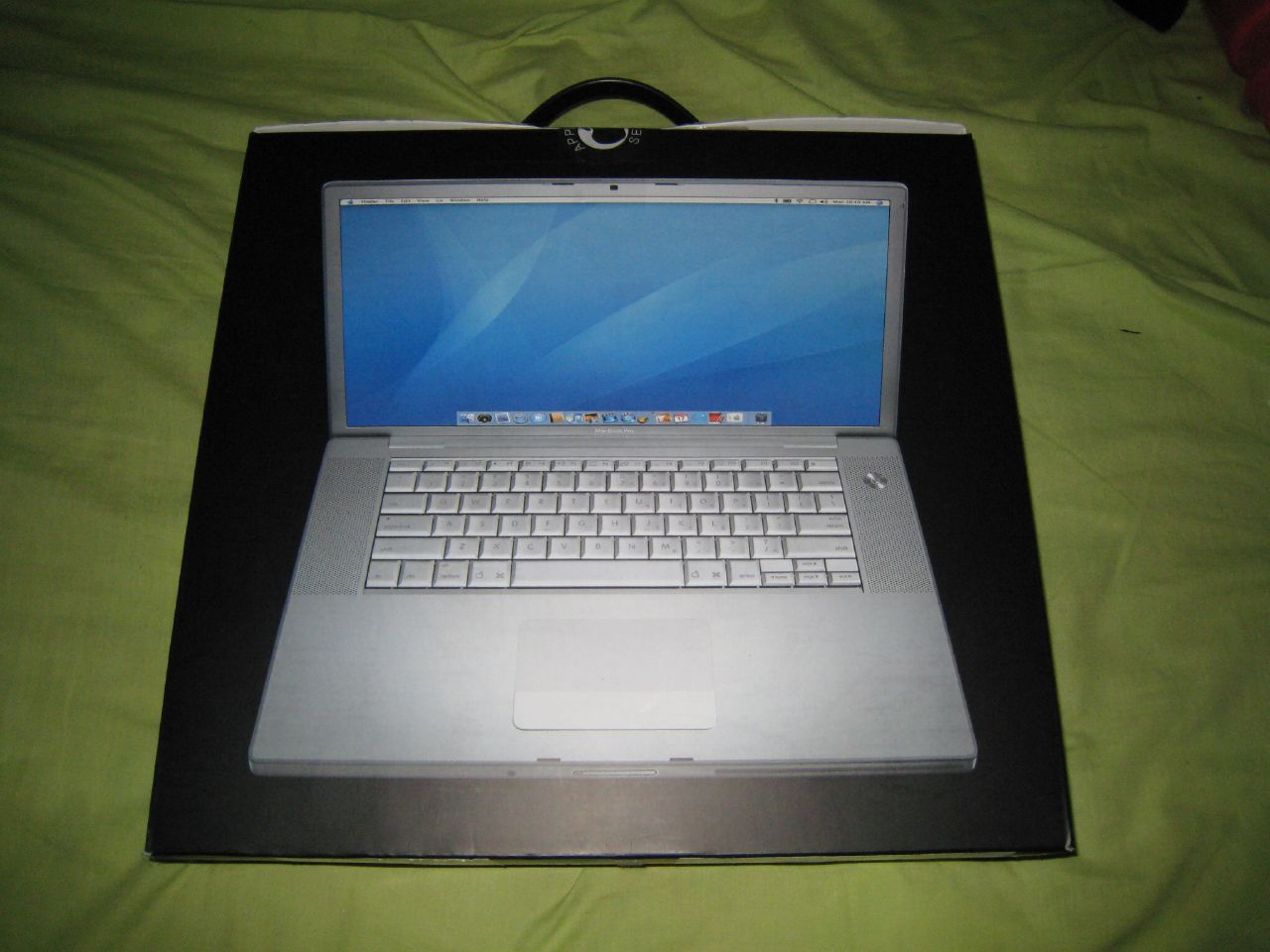 macbook pro box back