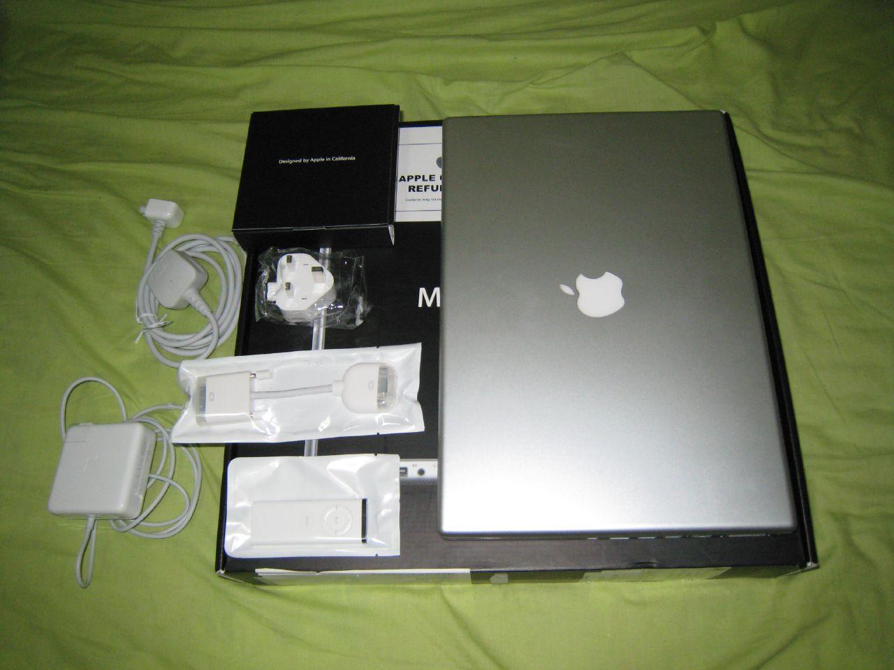 macbook pro things that in the box